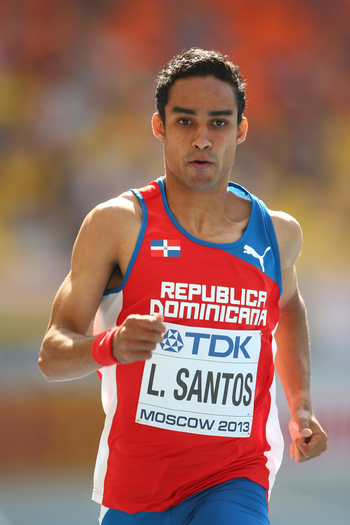 Luguelín Santos gana bronce en mundial de atletismo de Rusia