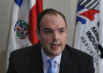 Ministro de Industria y Comercia dice gobierno está abierto al diálogo ante el llamado a huelga por algunos sindicatos de choferes