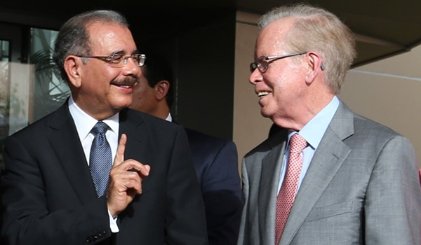 Danilo Medina resalta seriedad y objetividad del periódico Hoy en su 32 aniversario