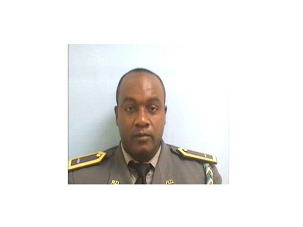 Asesinan teniente de la PN y lo despojan de su arma de reglamento en la carretera de Yamasá