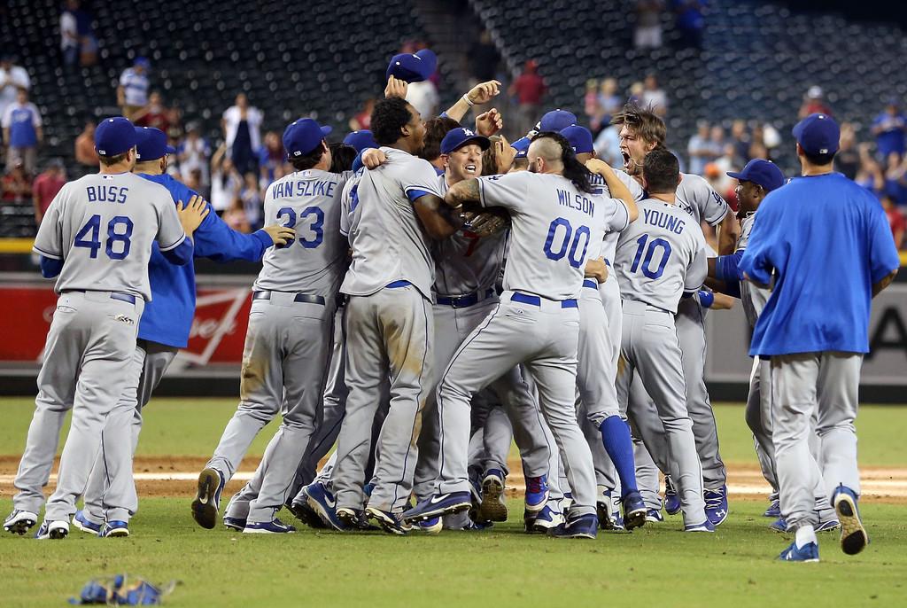 Ramírez dispara dos jonrones; Dodgers ganan División Oeste