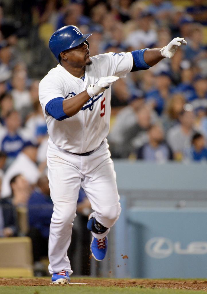 ¡Montó su show! Juan Uribe dispara tres cuadrangulares en triunfo de Dodgers; Ramírez también la saca