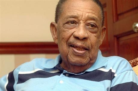 Fallece a los 84 años el cantante Francis Santana