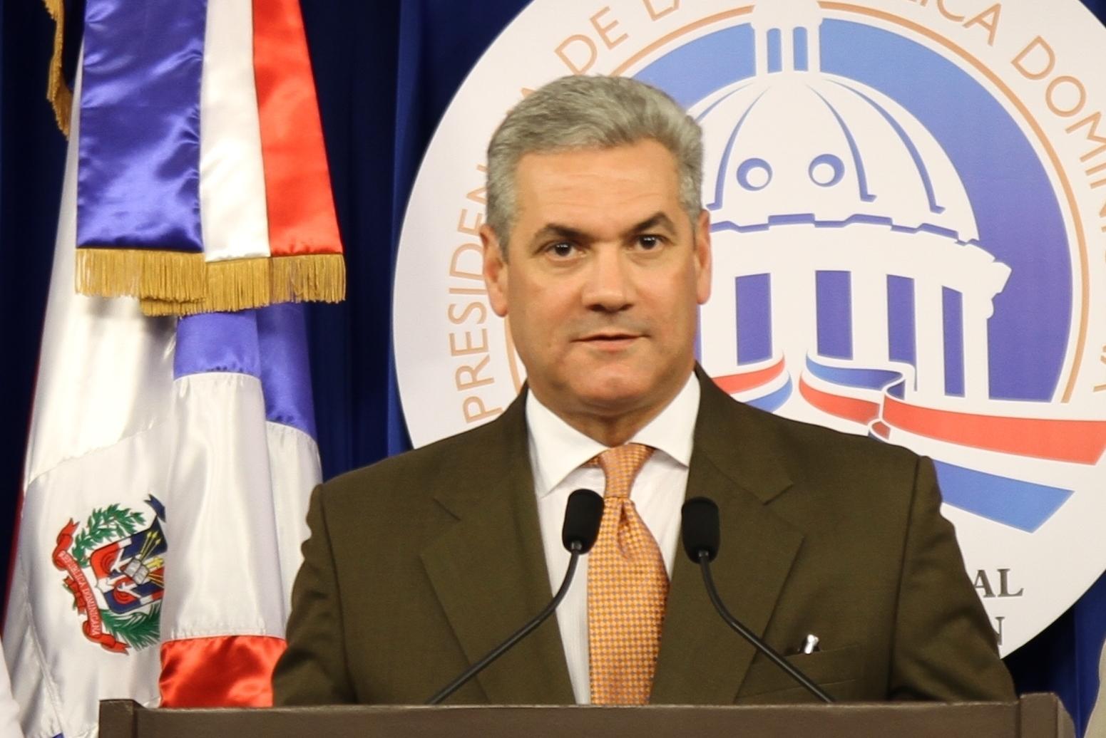Gonzalo Castillo anuncia señalización de calles y avenidas del país