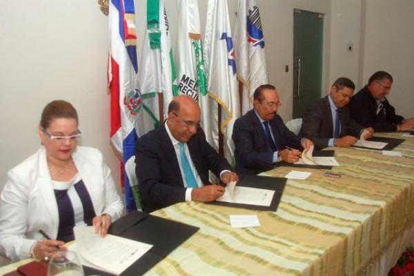 Medio Ambiente Firma Acuerdo Con Varias Entidades Para