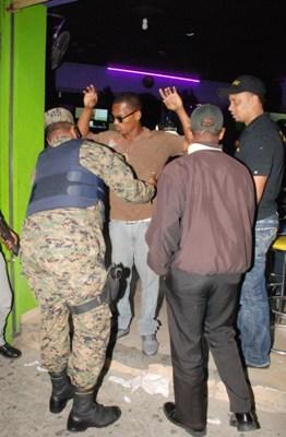 Interior y polic a se incauta de 7 armas de fuego y for Porte y tenencia de armas de fuego en republica dominicana