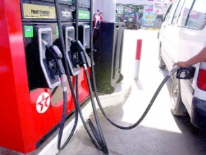 El Gobierno congela los precios de los combustibles