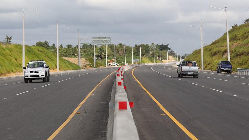 Presidente Medina inaugura primer tramo Circunvalación de Santo Domingo