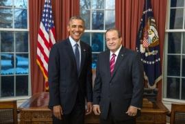 Embajador José Tomás Pérez presenta cartas credenciales ante Barack Obama