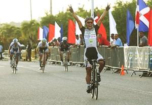 Jaime Castañeda gana la segunda etapa Vuelta Ciclismo Independencia