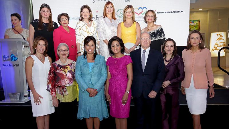 Primera Dama exalta entrega, superación y heroísmo de la mujer dominicana