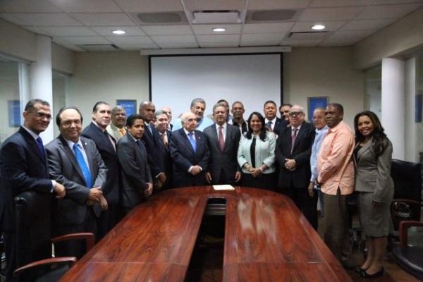 11 Partidos aliados respaldan al ex presidente Fernández