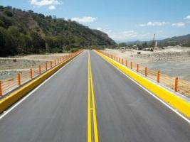 Obras Públicas anuncia finalización de puentes y carretera en el Sur