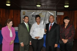 Ede Este entrega 2,846 certificados a colaboradores por entrenamientos en 2014
