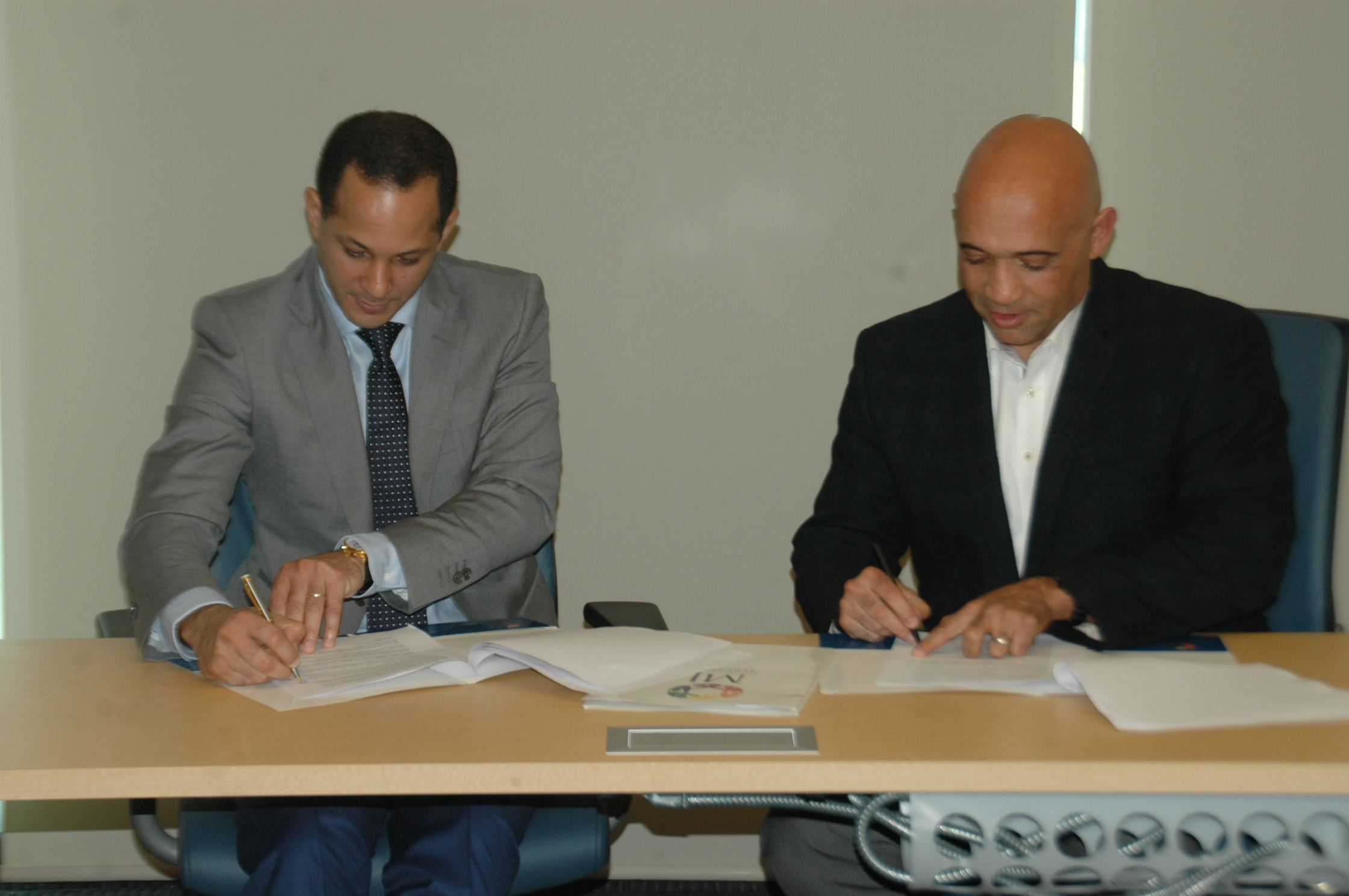 Ministerio de la Juventud y la MLB firman convenio de colaboración