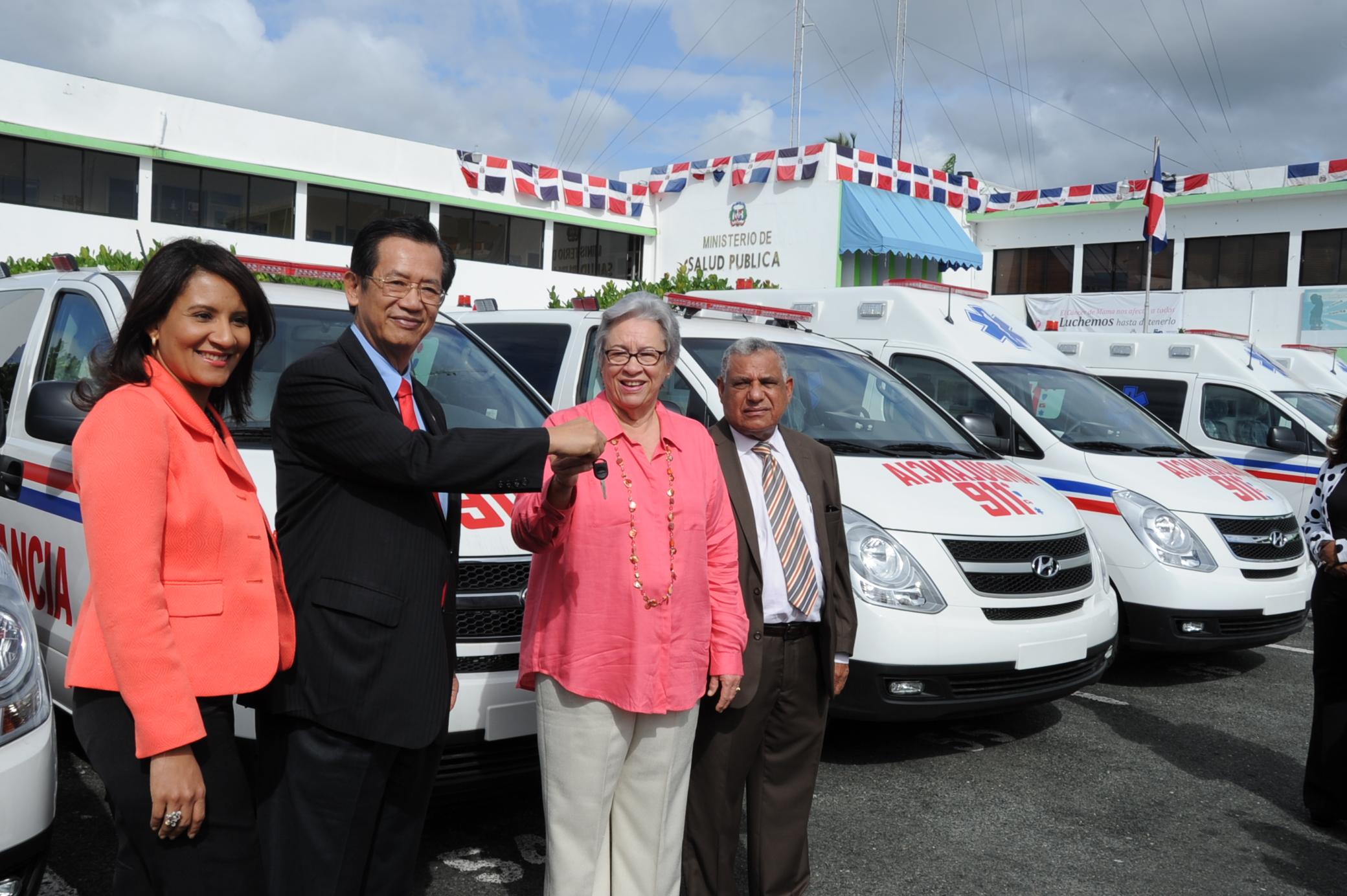 Taiwán dona 80 ambulancias al Ministerio de Salud Pública para ser utilizadas en el sistema 9-1-1