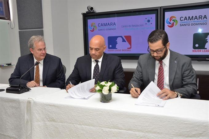 CRC y MLB firman acuerdo para casos de arbitraje de peloteros dominicanos