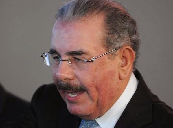 Presidente Medina llegó esta noche de la Florida donde se chequeó la dermatitis