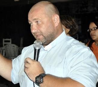 Le cantan 7 de cárcel al padre Alberto Gil por abuso sexual de menores en RD