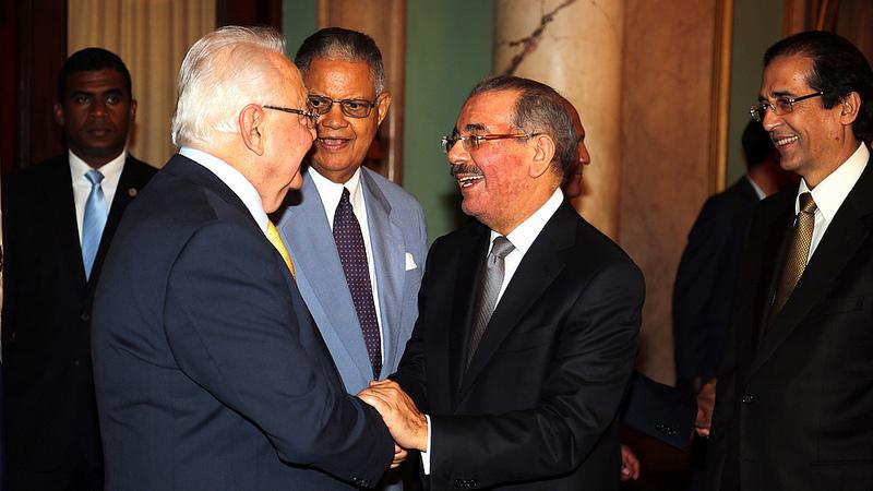 Presidente Medina deja juramentados a funcionarios designados