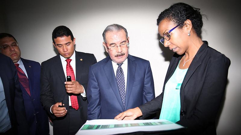 Presidente Medina inspecciona trabajos del proyecto La Nueva Barquita