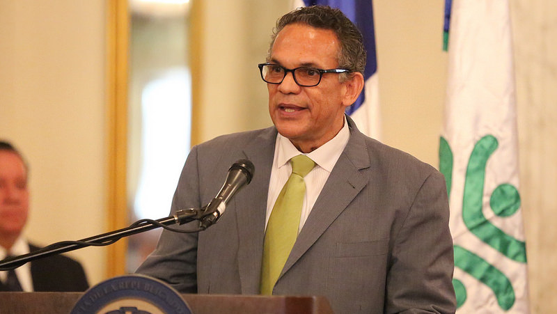 Medina emite decreto para reforma municipal y monitoreo ayuntamientos