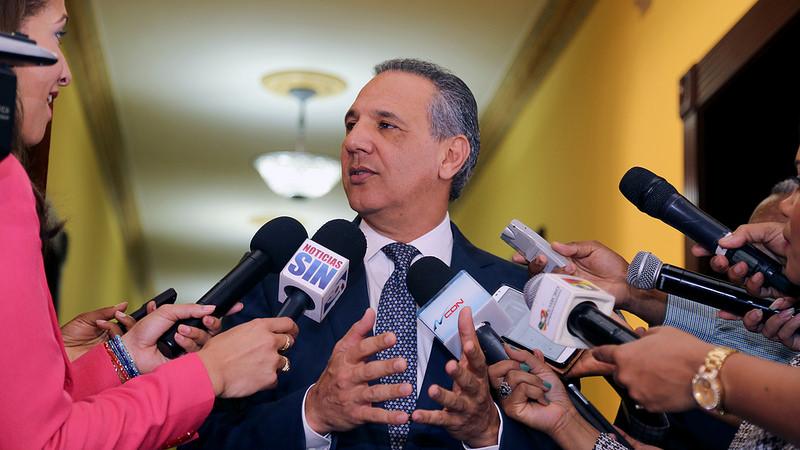 Ministro Administrativo dice control del gasto y disciplina fiscal son sagrados para el Gobierno
