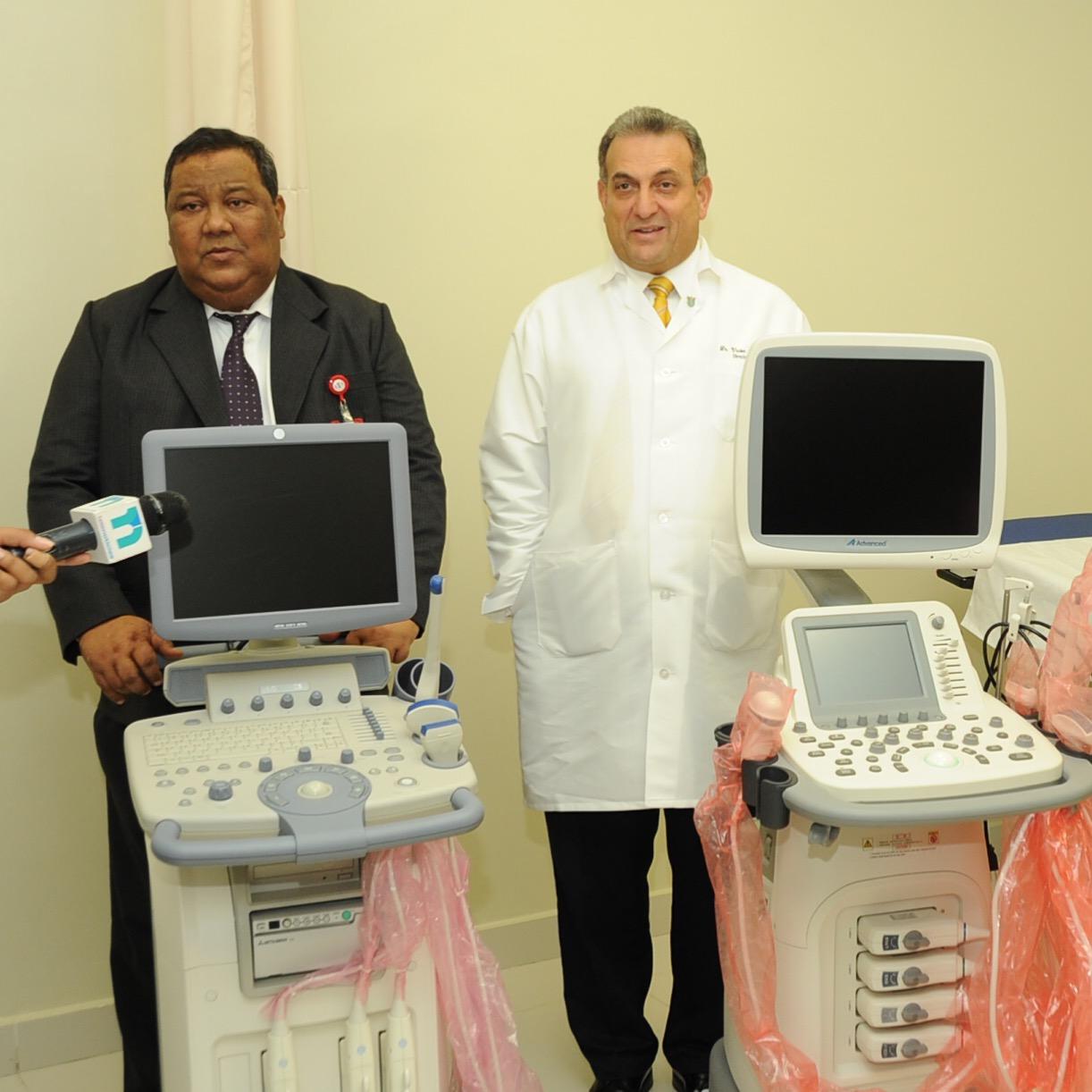 CERSS dona 2 sonógrafos de alta tecnología a la Maternidad de Los Mina