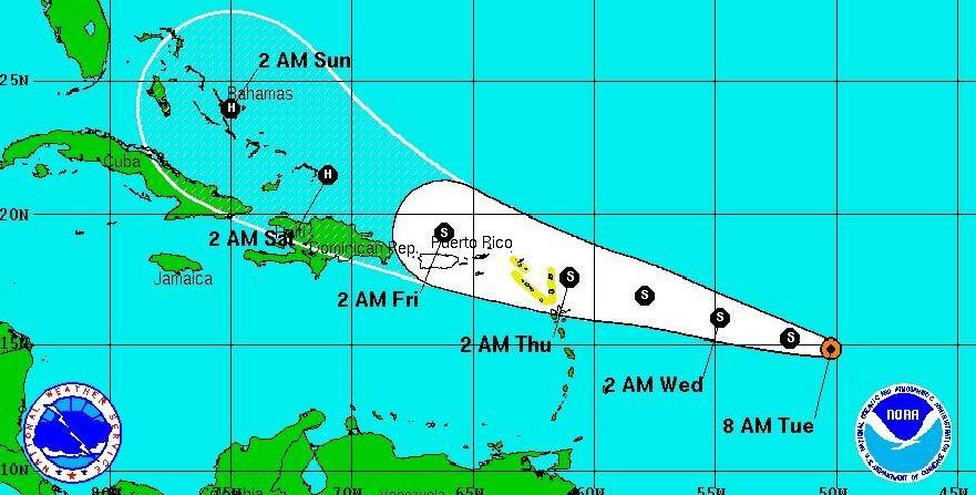 """""""erika"""" amenaza convertirse en huracán y azotar puerto"""